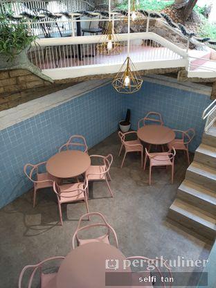 Foto 10 - Interior di Wake Cup Coffee oleh Selfi Tan