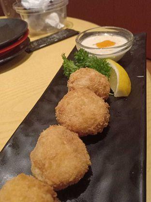 Foto - Makanan(Salmon Ball Age) di Sushi Tei oleh Komentator Isenk