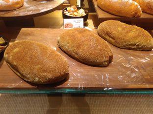 Foto 4 - Makanan di Francis Artisan Bakery oleh Renodaneswara @caesarinodswr