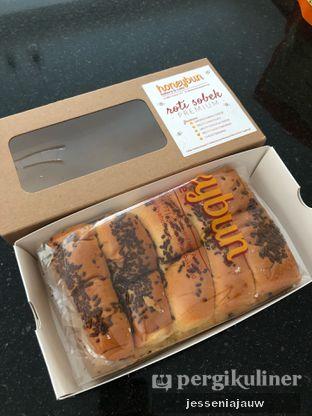 Foto 2 - Makanan di Honeybun Bakery & Cake oleh Jessenia Jauw