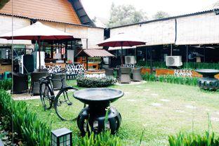 Foto 9 - Eksterior di Momo Milk Barn oleh Indra Mulia