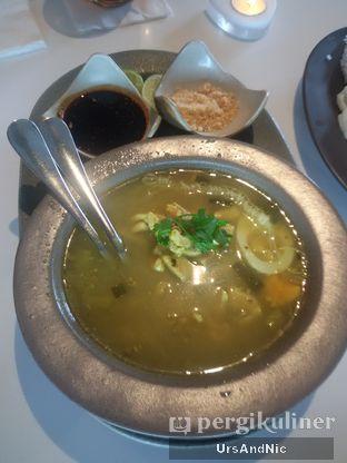 Foto 4 - Makanan(Soto ayam Ambengan) di Tesate oleh UrsAndNic