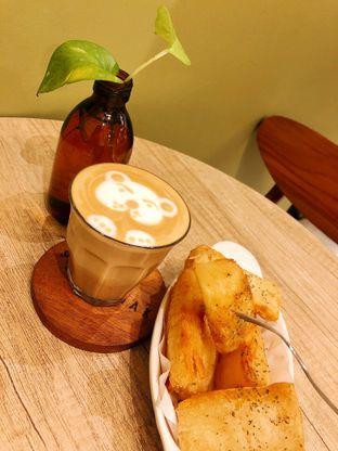 Foto 1 - Makanan(Singkong Goreng) di Sedjenak Koffie En Eethuis oleh kdsct