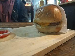 Foto review Abujay Burger and Grill oleh iqiu Rifqi 2