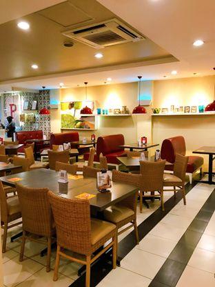 Foto 10 - Interior di Pizza Hut oleh yudistira ishak abrar