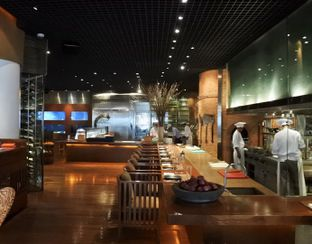 Foto 7 - Interior di C's Steak and Seafood Restaurant - Grand Hyatt oleh Andrika Nadia