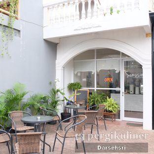 Foto 6 - Eksterior di Semusim Coffee Garden oleh Darsehsri Handayani