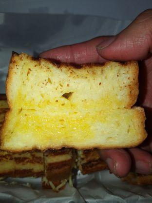 Foto 1 - Makanan di Bolu Bakar Tunggal oleh Chris Chan