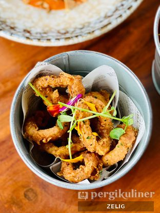 Foto 4 - Makanan(Salt 'n Pepper Squid) di The Brotherhood oleh @teddyzelig