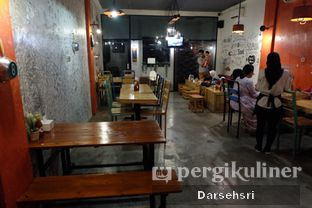 Foto 7 - Interior di Double U Steak by Chef Widhi oleh Darsehsri Handayani