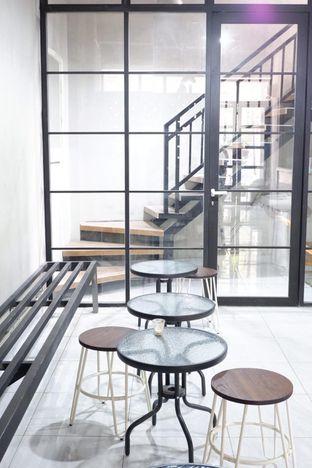 Foto 22 - Interior di Meneed Coffee Cuts oleh yudistira ishak abrar