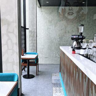 Foto 3 - Interior di Maketh Coffee & Eatery oleh Della Ayu