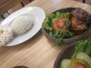 Foto 4 - Makanan di Dapoer Penyet oleh Jey