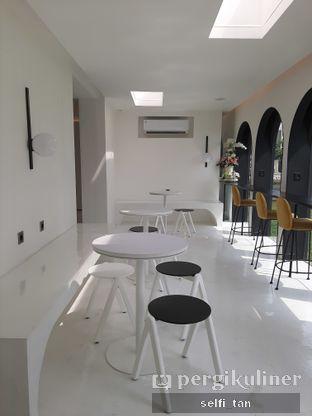 Foto 8 - Interior di After Friday Coffee oleh Selfi Tan