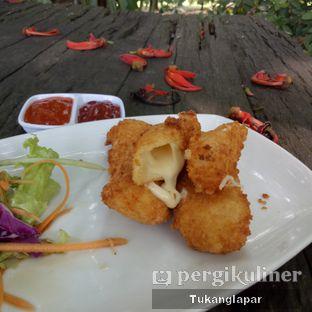 Foto 4 - Makanan(Mozarella Stick) di Grand Garden Cafe & Resto oleh Nefinafila