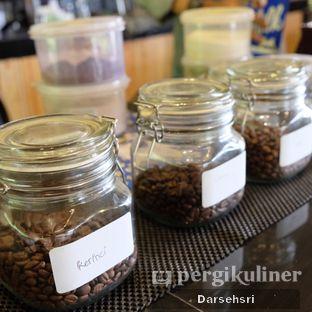 Foto 15 - Interior di Ruang Riung Coffee & Eatery oleh Darsehsri Handayani