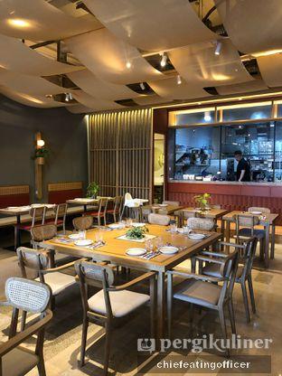 Foto 8 - Interior di Akar Restaurant and Bar oleh feedthecat