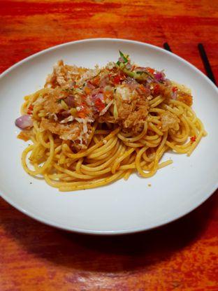 Foto 2 - Makanan(Spaghetti Sambal Matah) di Waroeng Western oleh Adhy Musaad