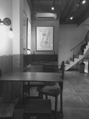 Foto 2 - Interior di Coffee Smith oleh Khikid Utami