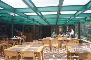 Foto 7 - Interior di Meranti Restaurant oleh Hungry Couplee