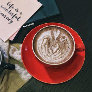 Foto 1 - Makanan(Piscok latte) di Fe Cafe oleh Stellachubby