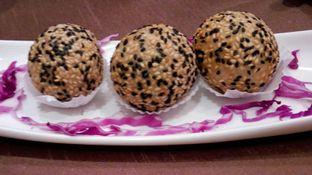 Foto 4 - Makanan(Onde Onde (IDR 45k) ) di Plataran Menteng oleh Renodaneswara @caesarinodswr