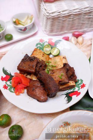 Foto 2 - Makanan di Soto Betawi Nyonya Afung oleh Jessica Sisy