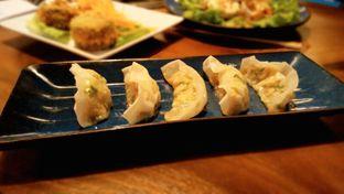 Foto 4 - Makanan(Gyoza) di Shingen Izakaya oleh chubby Bandung