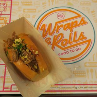 Foto - Makanan di Wraps & Rolls oleh Astrid Wangarry