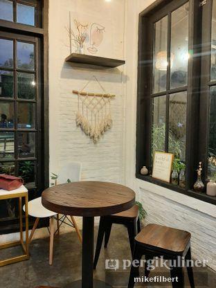 Foto 4 - Interior di Jonbon's Coffee & Eatery oleh MiloFooDiary | @milofoodiary