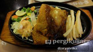 Foto 3 - Makanan(crispy snow fish steak) di Steak Hut oleh diarysivika