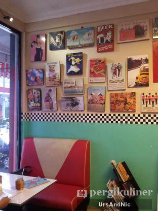 Foto 6 - Interior di Mix Diner & Florist oleh UrsAndNic