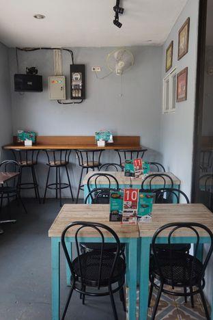 Foto 28 - Interior di Moska Cafe & Eatery oleh Prido ZH