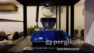 Foto 12 - Interior di Anomali Coffee oleh Mich Love Eat