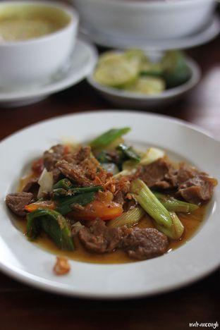 Foto 6 - Makanan di Kedai Soto Ibu Rahayu oleh Kevin Leonardi @makancengli
