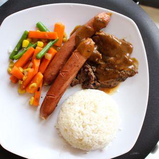 Foto 1 - Makanan(sanitize(image.caption)) di Dino Burger & Rice Steak oleh Christine Lie #FoodCraverID