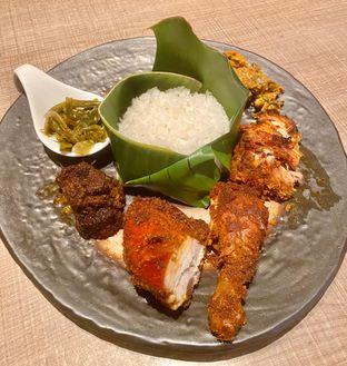 Foto 1 - Makanan di Mandeh Restoran Padang - Hotel JHL Solitaire oleh Andrika Nadia