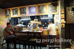 Foto 8 - Interior di Watt Coffee oleh Darsehsri Handayani