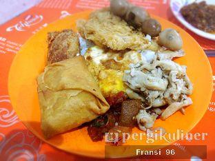 Foto 1 - Makanan di Nasi Uduk Bu Sum oleh Fransiscus