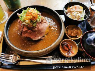 Foto 1 - Makanan(Roasted Beef curry rice) di Hokkaido Izakaya oleh Patsyy