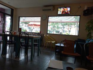 Foto 4 - Interior di Moska Cafe & Eatery oleh Namira