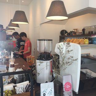 Foto 1 - Interior di Hi! Stranger Coffee oleh Anne Yonathan