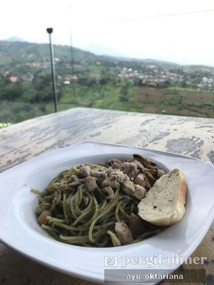 Foto 1 - Makanan di Skyline oleh a bogus foodie