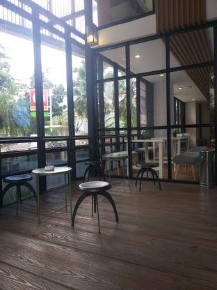 Foto 1 - Eksterior di Emji Coffee Bar & Space oleh Sari Cao