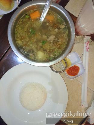 Foto 7 - Makanan(Sop Buntut) di Bon Ami Restaurant & Bakery oleh #alongnyampah