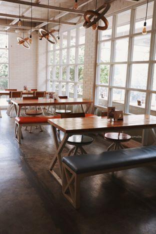 Foto 14 - Interior di Fat Bubble oleh Indra Mulia