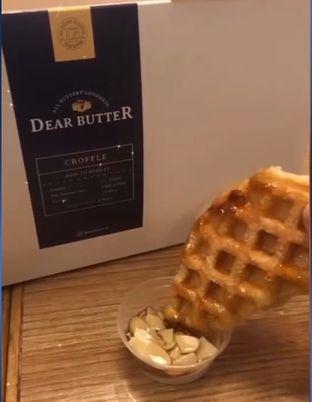 Foto - Makanan(Almond maple croffle) di Dear Butter oleh Jessica