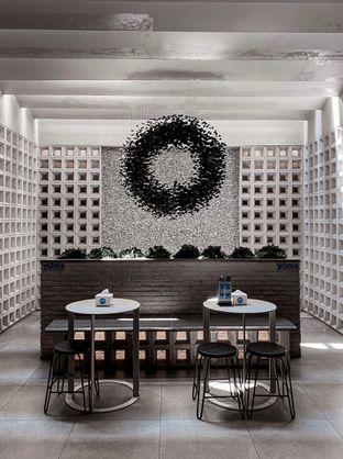 Foto 2 - Interior di YOMS Pisang Madu & Gorengan oleh houseofoodies