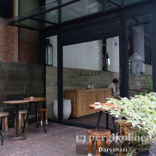 Foto 10 - Interior di Crematology Coffee Roasters oleh Darsehsri Handayani