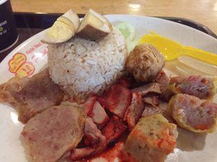 Foto - Makanan(Nasi Hainam Campur) di Nasi Campur Putri Kenanga oleh Yuli || IG: @franzeskayuli